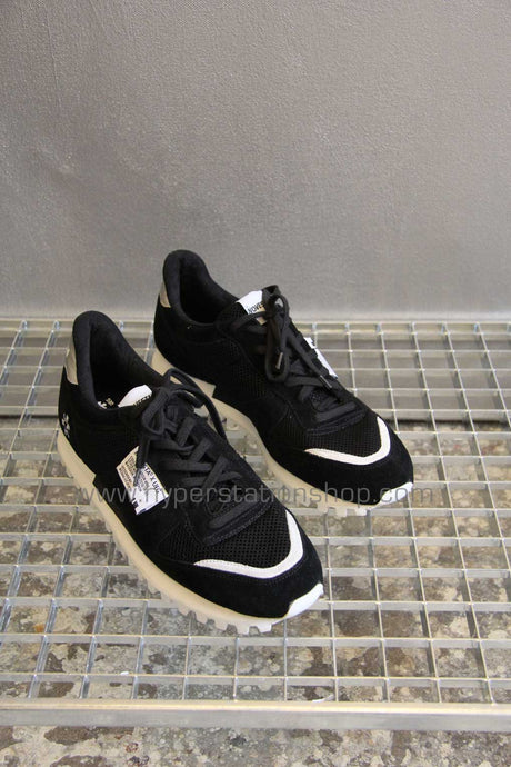 UEG x Novesta Low Top Runner, Black