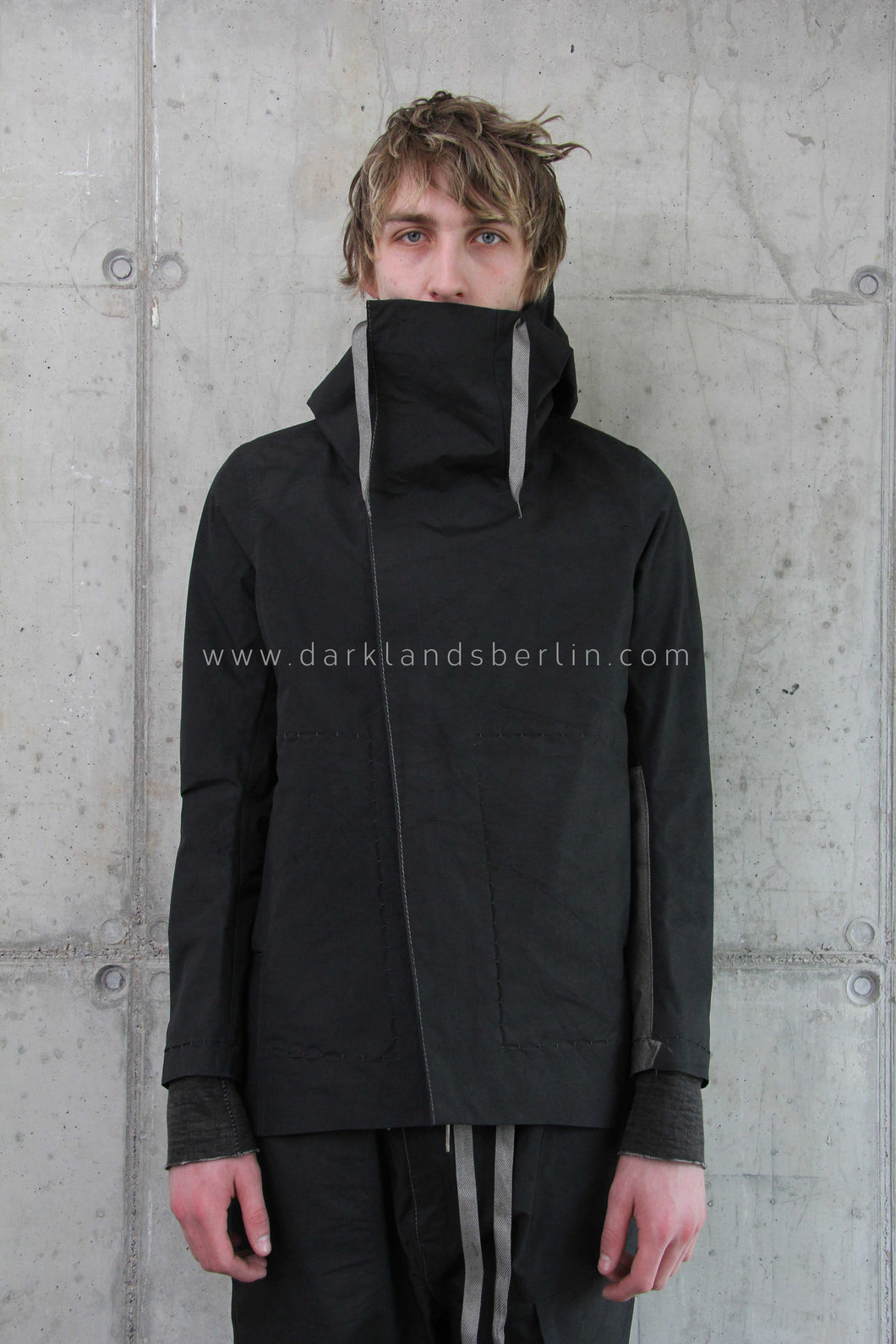 Taichi Murakami - Waterproof origami sleeve light mountain parka
