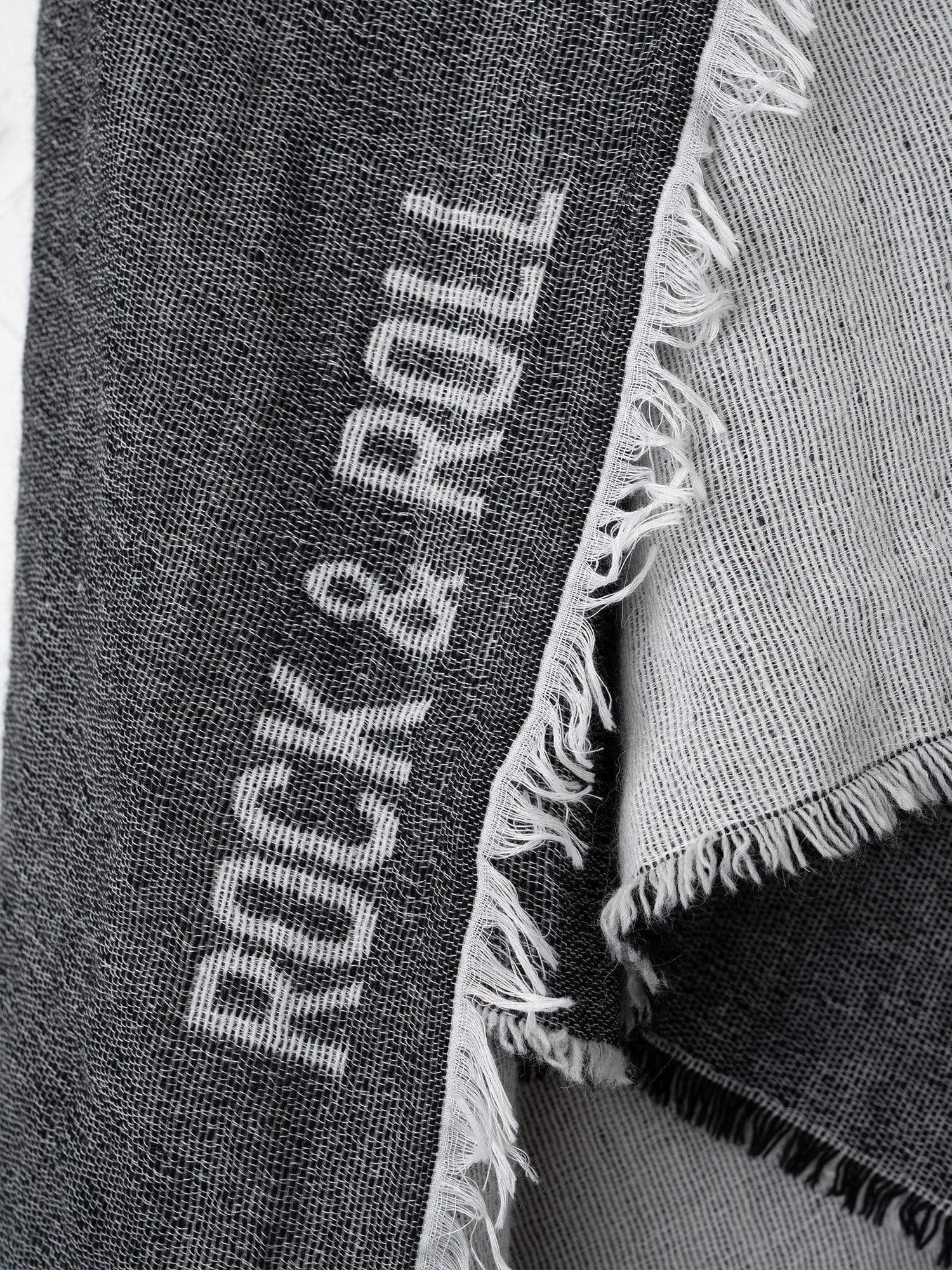 10 ways to style your rock & roll scarf
