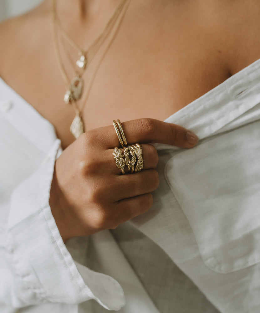 18K Gold Crossed Rope Ring