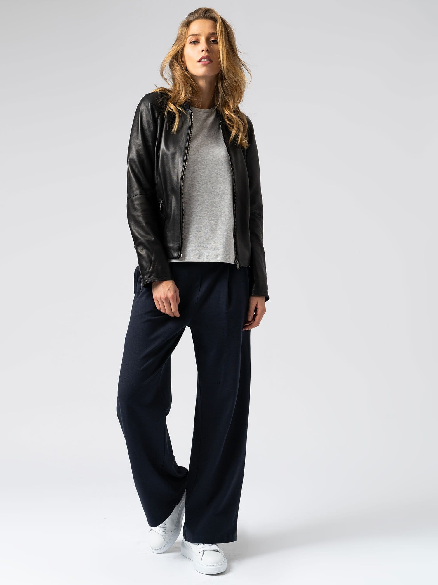 Camden Wide Leg Pant in Navy