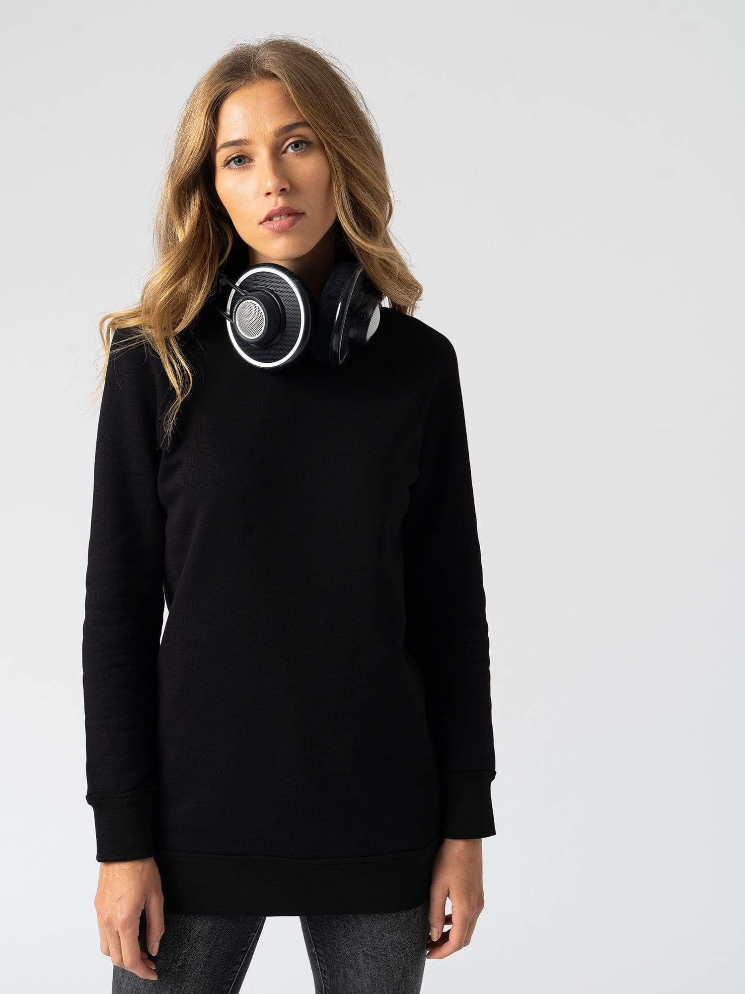 The Sweater - Black
