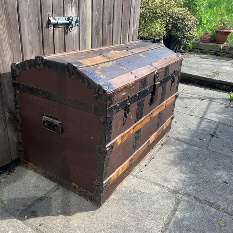 A big old dome topped trunk / treasure chest!