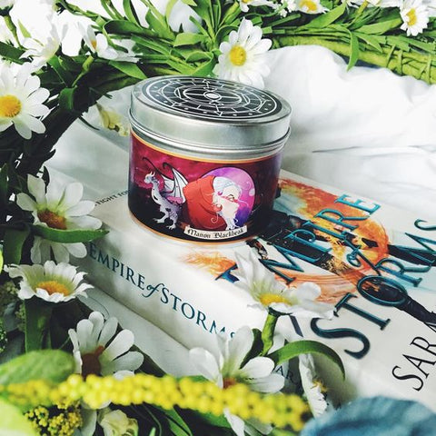 Happy Piranha's Wingleader scented candle, photo by @incaseofbookishness on instagran