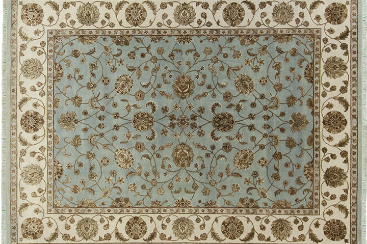 Add more character to your home with elegant vintage rugs!