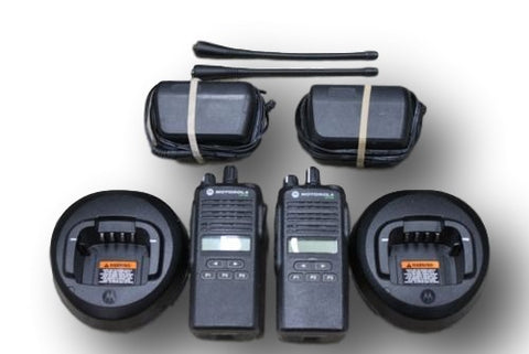 Motorola CP185 UHF 435-480 Mhz 16 Channels 4 W Radios (Set of 2)