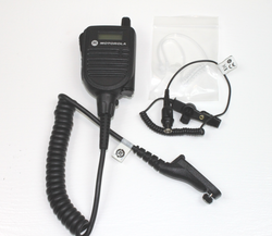 MOTOROLA HMN4104 APX Speaker Mic w/ RLN6424 RX-only earpiece for APX Models