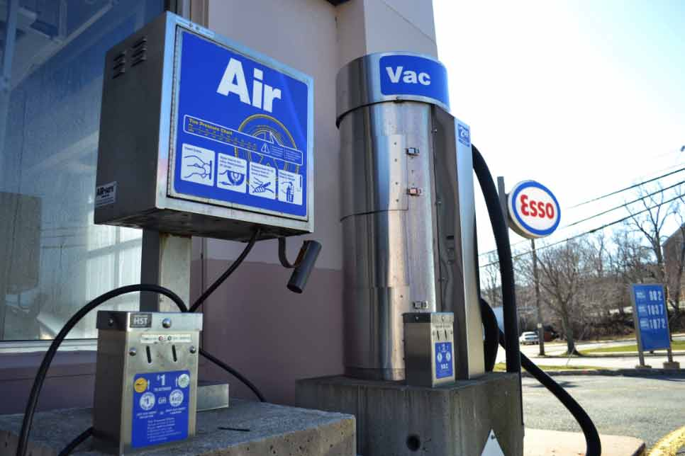 gas station air pump for tire pressure
