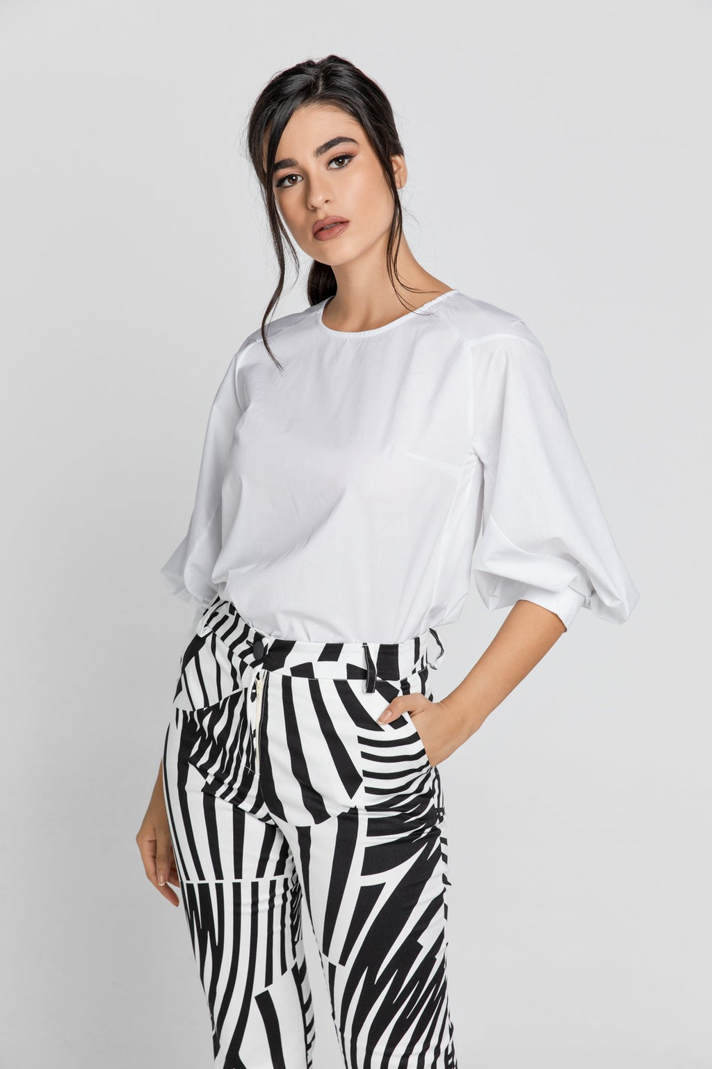 White Top With Bishop Sleeves - KATANA FASHION BOUTIQUE