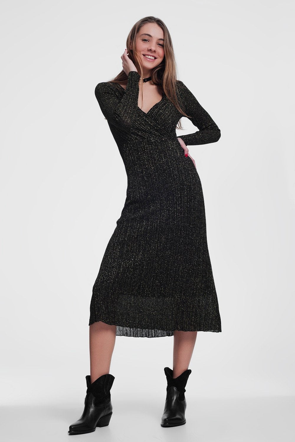 Dress in Black With V-Neck and Long Sleeves - KATANA FASHION BOUTIQUE