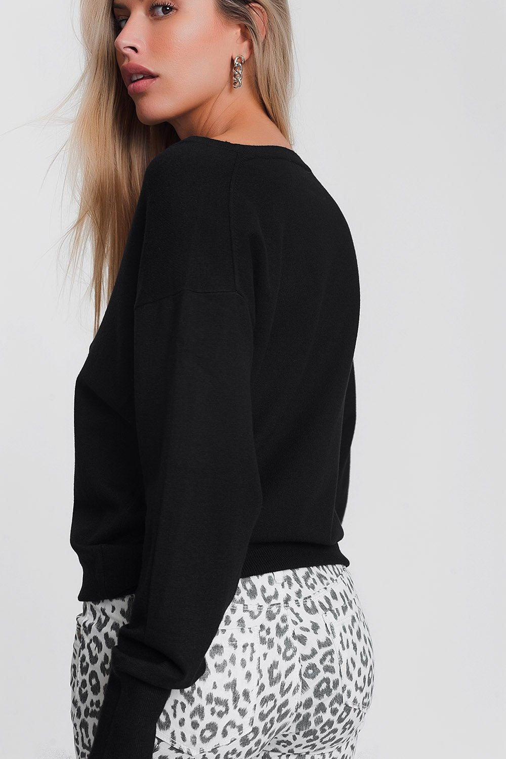 V Neck Light Weight Knit JumperSweater Top  in Black