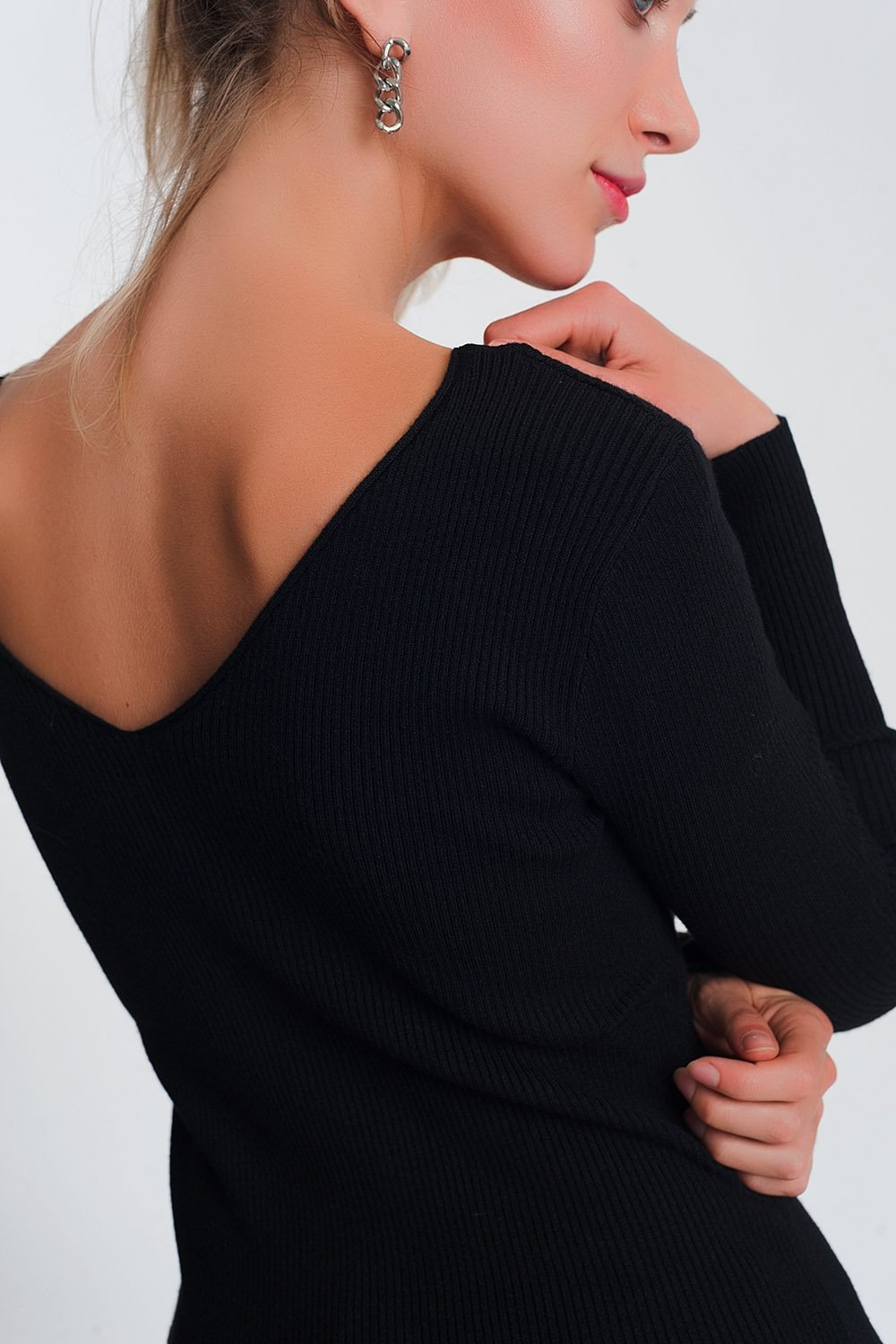 Knitted Jumper Sweater Top in Black With v Back