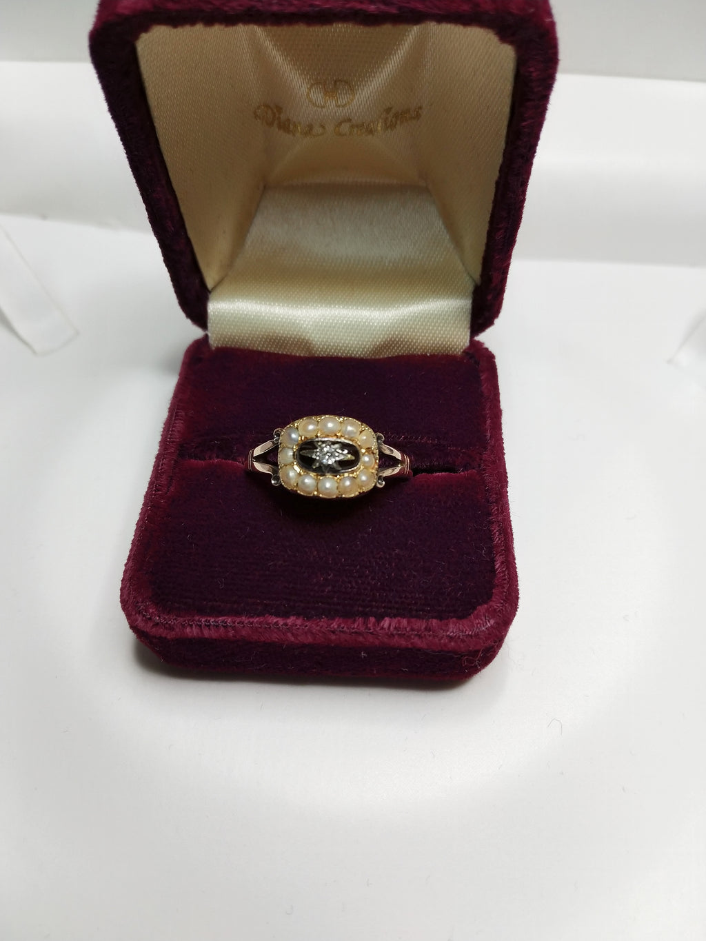 3.1g 9K Yel Vintage Order of Eastern Star Masonic Ring with seed pearls and CZ.