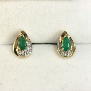 1.4g 14k Yellow Gold Emerald Earrings