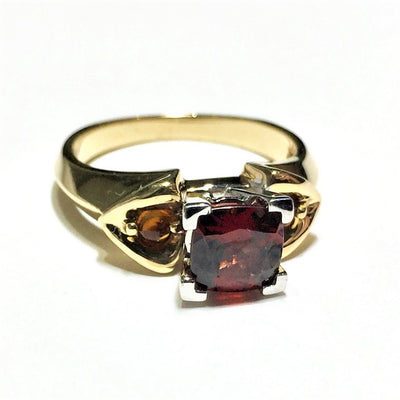 5.1g 14k Yellow Gold Garnet Ring