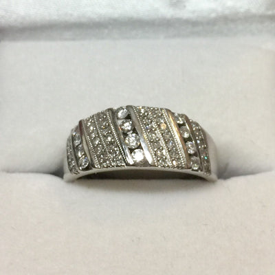 4.0g 10k White Gold Diamond Fashion Ring