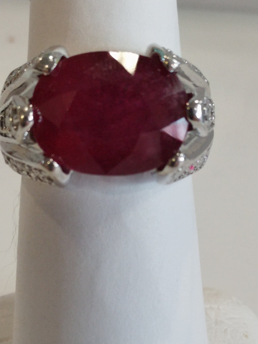 13g 14K White gold with glass filled Ruby with I3 0.6cttw