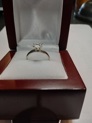 2.2g 14K wht gold 1.01CT Princess Diamond I3, G