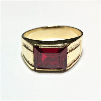 5.5g 10k Men's Yellow Gold Ruby Ring