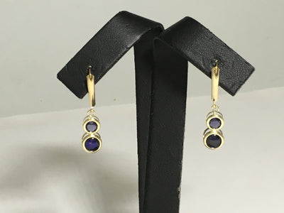 2.0g 14K Yellow gold leaver back stone drop earrings set with synthetic stones.