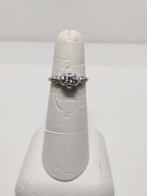 3.2G platinum ring with 0.31ct Diamond VS2, G; 0.08 cttw Dia Ring