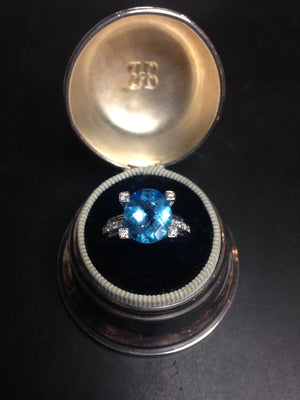 Ring 7.6 g 14K  Blue Topaz and Diamonds