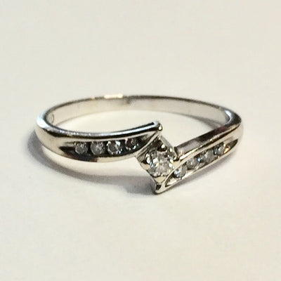 1.6g 10k White Gold 0.05ct Diamond Ring