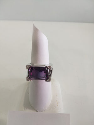 11.0g 18K Wht gold, 4.5ct Amethyst with 0.4cttw diamond RING