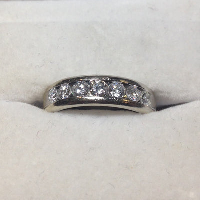 4.9g 14k White Gold Diamond Ring