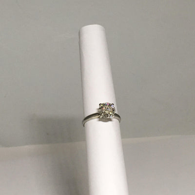 2.4g 19K White Gold with 1.40ct SI1H Stunning Diamond