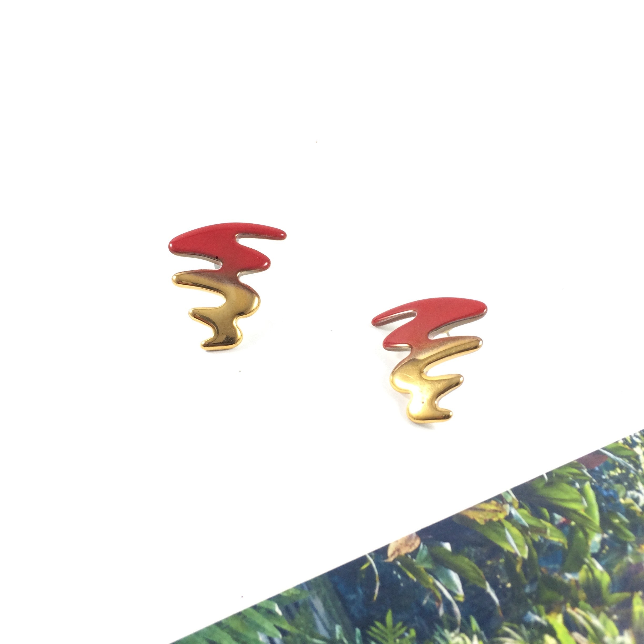 Red & Gold Porcelain Streamer Ribbon Vintage 1980' Stud Earrings