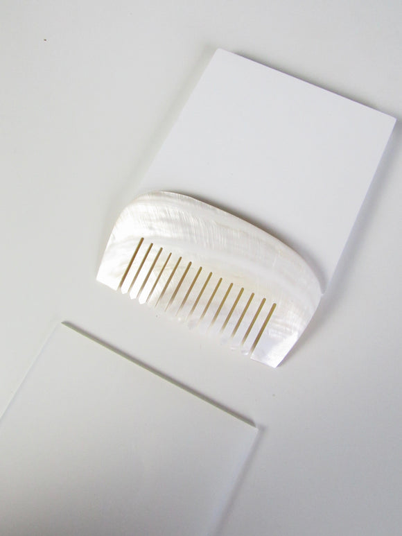 Rounded Natural Seashell Comb
