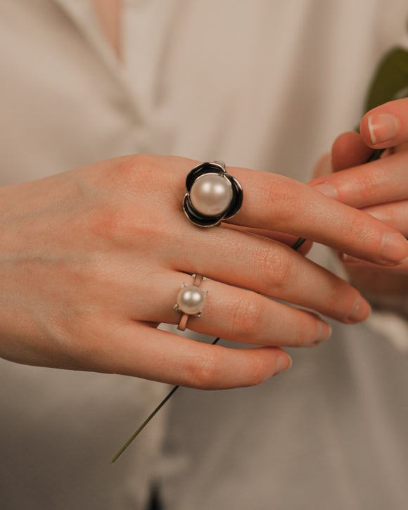 Black White Floral Pearl Silver Statement Ring