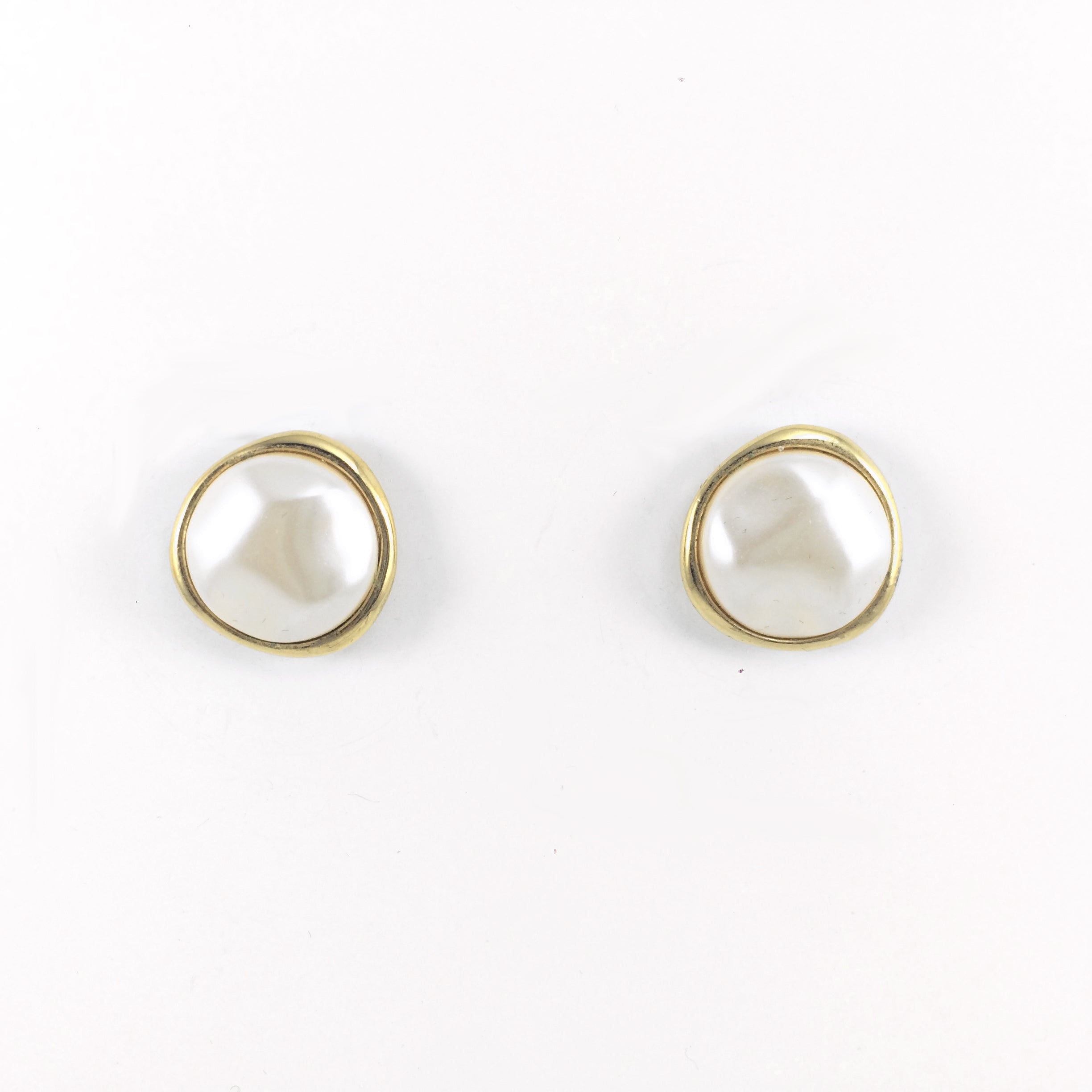 Vintage 80s Classic Monet Pearl Clip-on Earrings