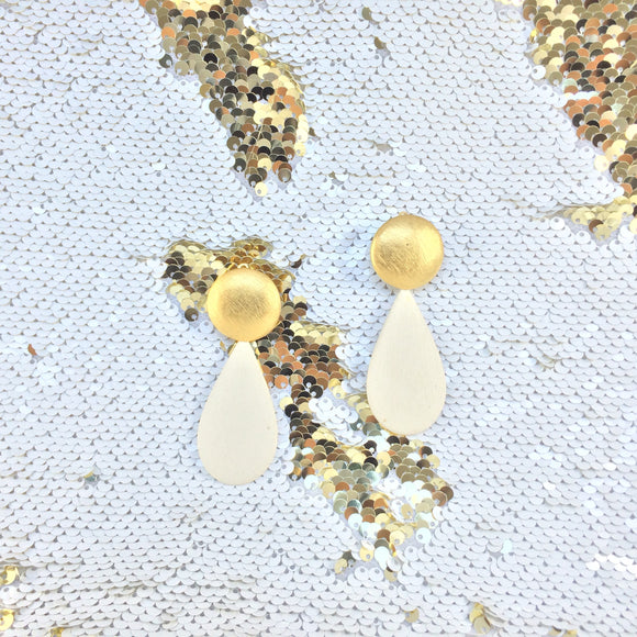 Matt Finish Gold Creamy White Drop Vintage Dangle Clip On Earrings