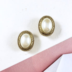 Vintage 70s 1928 Classic Gold Frame Pearl Earrings