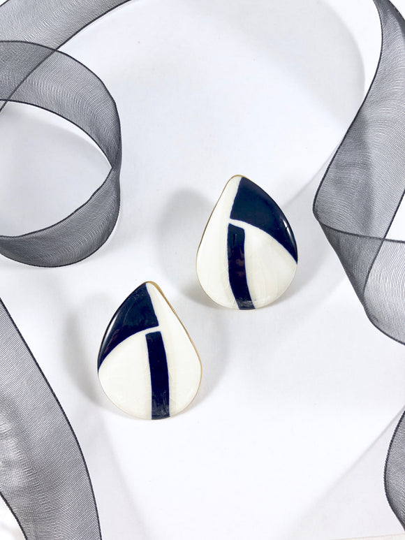 Vintage 80s Cream& Navy Abstract TearDrop Earrings