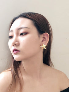 Vintage 80s Gold Star Earrings