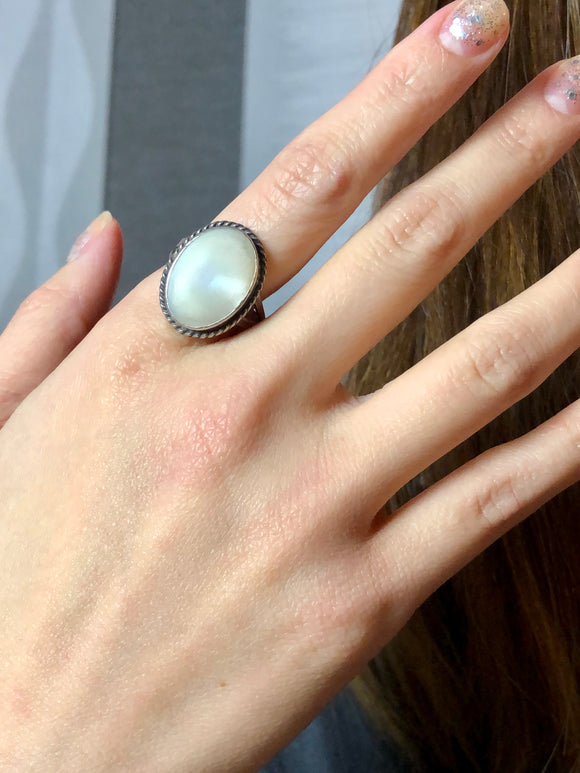 Oval White Mother of Pearl Silver Cocktail Ring