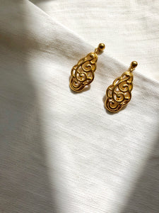 Art Nouveau Filigree Gold Dangle Earrings