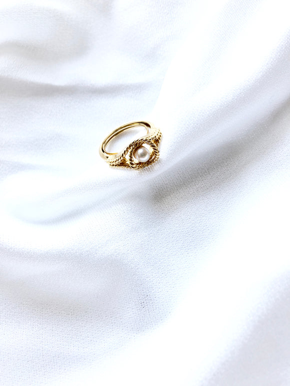 Avon Eye Pearl 14k Gold Plated Adjustable Ring