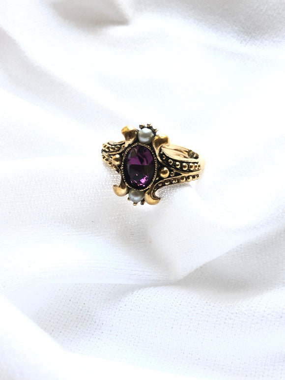 Avon Victorian Violet 14k Gold Plated Ring