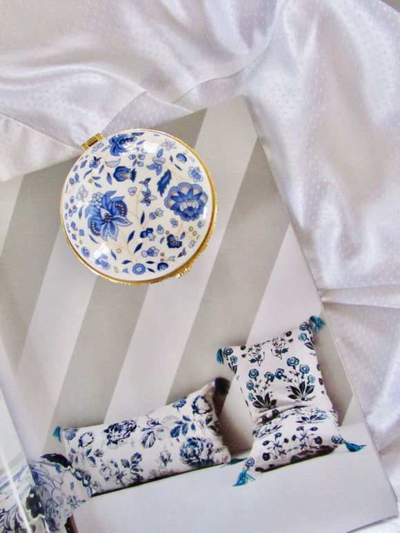 Circle Blue Blossom White Porcelain Jewelry Box with Mirror