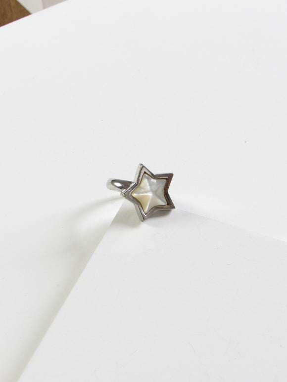 Star Embed White Mother Of Pearl Silver Ring