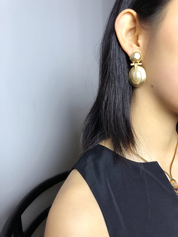 Embed Pearl Gold Door Knocker Statement Earrings