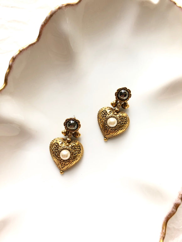 Heart Embed Pearl Antique Gold Dangle Earrings