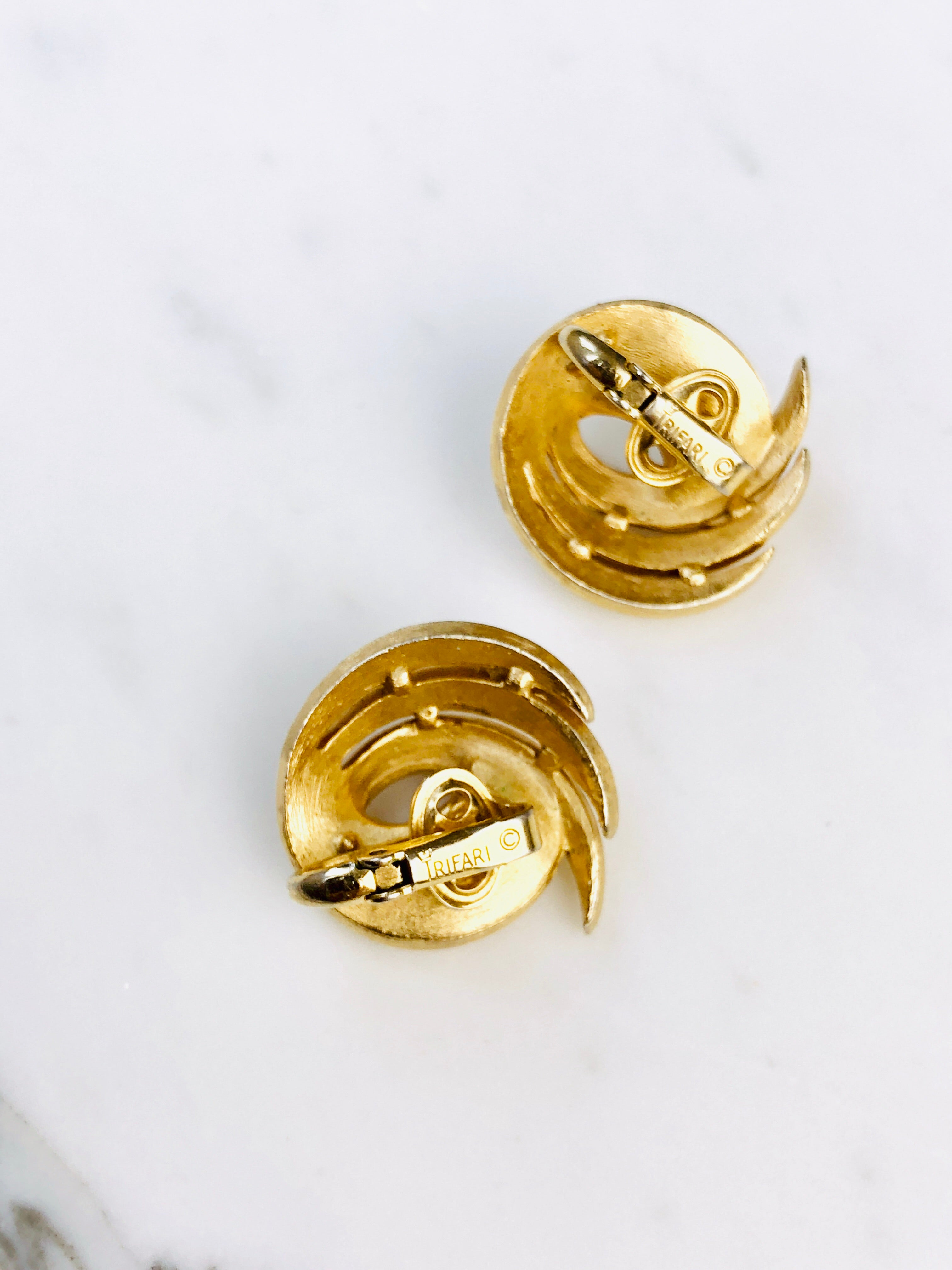 Vintage 70s Trifari Gold Abstract Mod Earrings