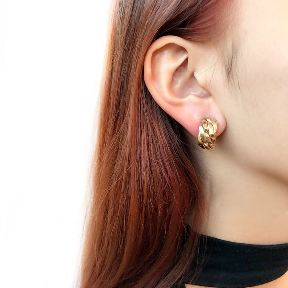 Vintage 80s New Yorker Gold Wavy Clip-on Half Hoops