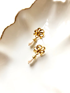 Marvella Ribbon Teardrop Pearl Gold Earrings