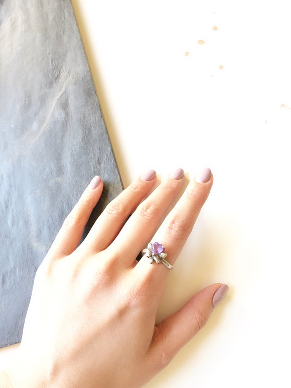 Retro Floral Purple Amethyst Heart Silver Cocktail Ring